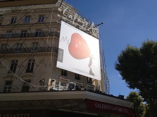 Paris City Vision: galerias lafayette. imperdible un regalo para los ojos y el olfat. para sacarse las ganas de mir