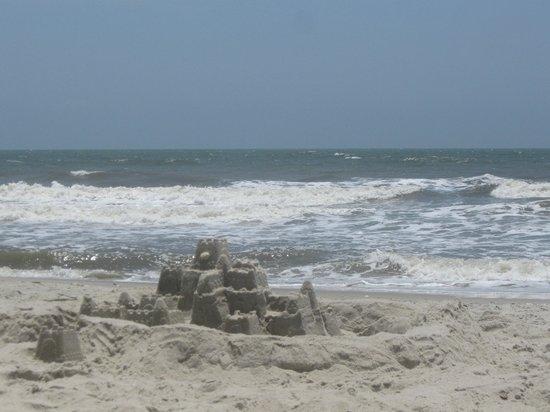 Holden Beach: Sand castle