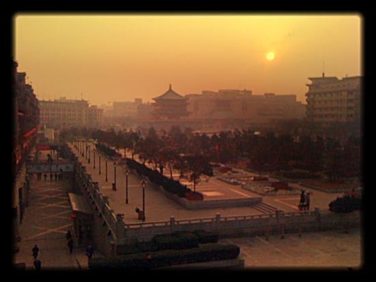 Drum Tower (Gulou): Drum Tower Xi'an..winter'12 Annh