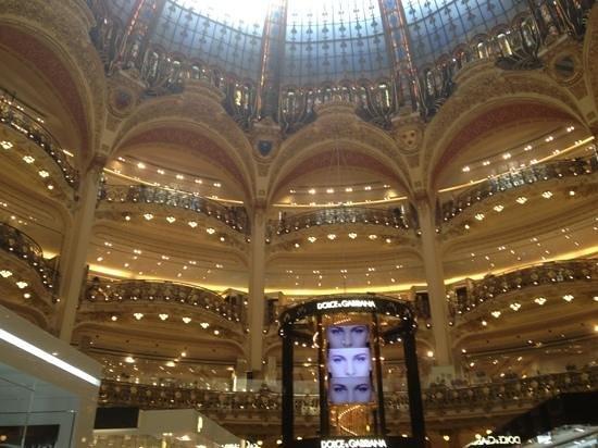 PARISCityVISION: galeras lafayette. obra arquitectonica ademas del valor impresionante de su contenido