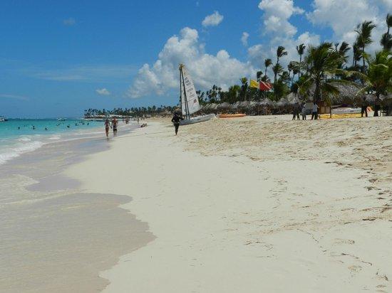 Hotel Riu Naiboa: playa