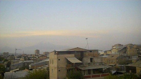 อาร์เมเนีย: Yerevan Armenia at Dusk
