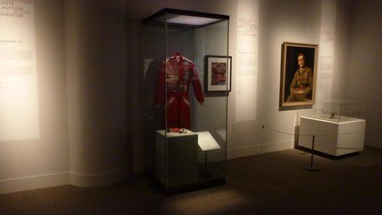 พิพิธภัณฑ์อารยธรรมแคนาดา: Habit de course de Gilles Villeneuve