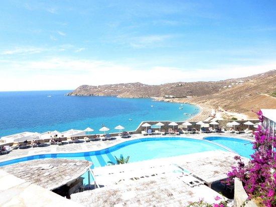 Royal Myconian Resort & Thalasso Spa Center: The hotel pool..WOW!