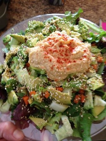 Naturally Cafe: Sara Salad
