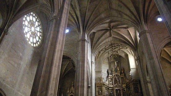 Iglesia de San Vicente: Inside the Church L
