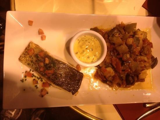 Paris City Vision: salmon con ratatouille. puro sabor en paris