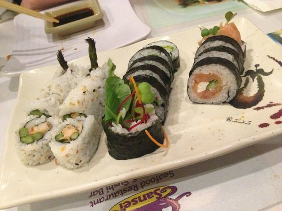 Sansei Seafood Restaurant: Paia Roll and Bagel Roll