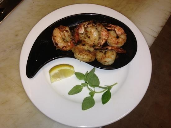 Stratis Mediterranean Grill: prawn appy