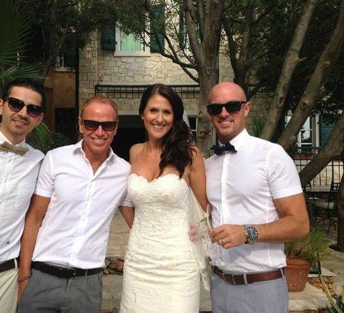 Hotel Boskinac: happy bride with best friends