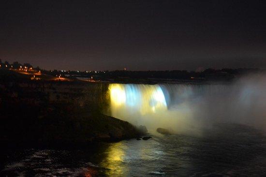 Niagara Falls: Falls Illumination