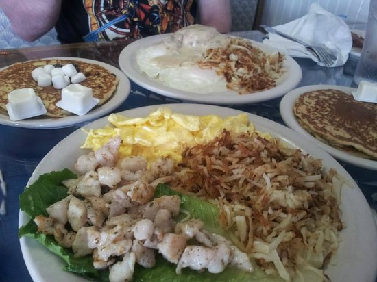 Sanibel Cafe : Eggs, hash browns, pancakes, and gator!