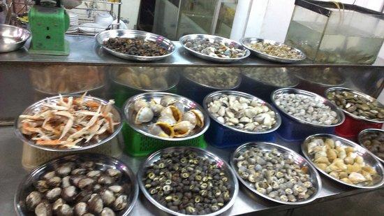 Saigon Street Eats: Snails