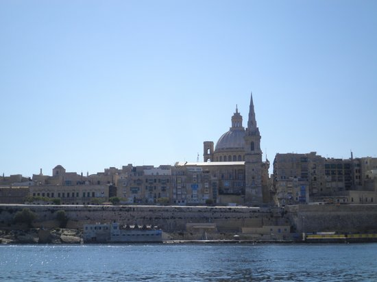 Pace's Guest House: view of valletta from sliema waterfront