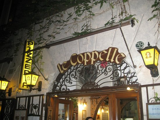Taverna Le Coppelle: Entrance