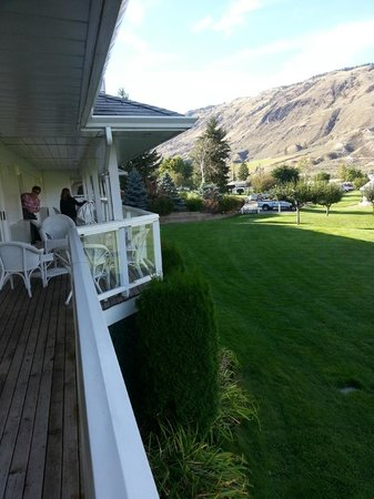 South Thompson Inn & Conference Center: View from our deck