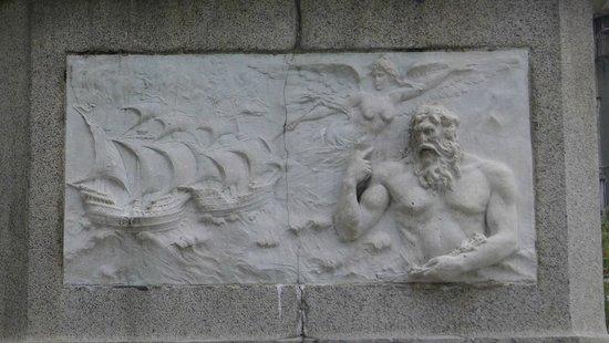Vasco da Gama Monument  - Statue decor