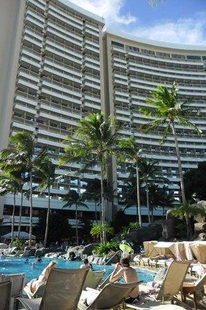 Sheraton Waikiki: Add a caption
