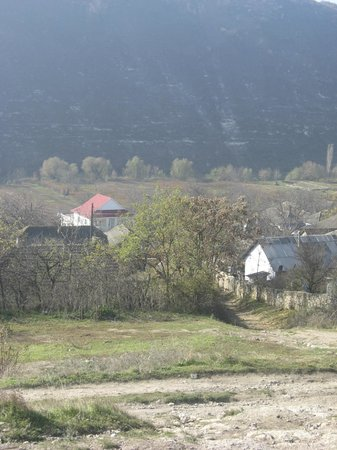 Old Orhei Archeological Complex: Village on the track up