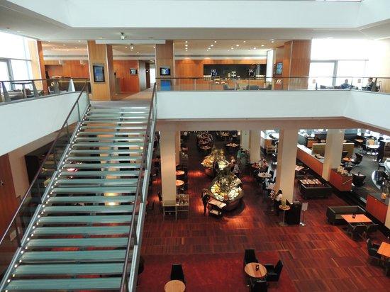 โรงแรมฮิลตัน โคเปนเฮเกน แอร์พอร์ท: Vista do 1o andar do business center