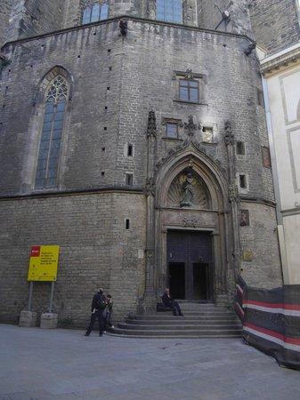 มหาวิหารเซนต์แมรีออฟเดอะซี: The other end of the church