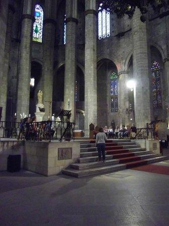 มหาวิหารเซนต์แมรีออฟเดอะซี: East end of the church