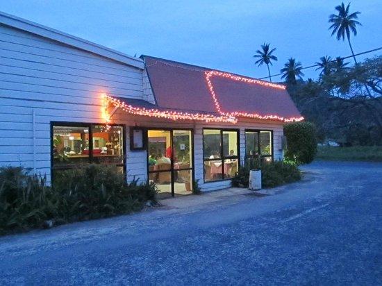 Spaghetti House Pizzeria & Grill: Spaghetti House by night