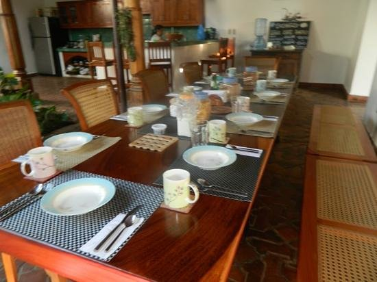Miss Margrit's Guest House: the breakfast table