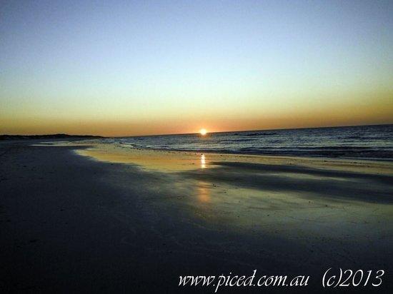 Ramada Eco Beach Resort: Sunset