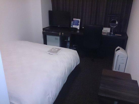 ไดวะ รอยเน็ต โฮเต็ล โยโกฮาม่า โคเอน: いつものくつろげるベッドです