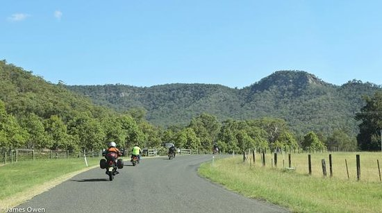 Timetravellers Motorcycle Tours & Events - Day Tours: The beautiful Hunter Valley scenery