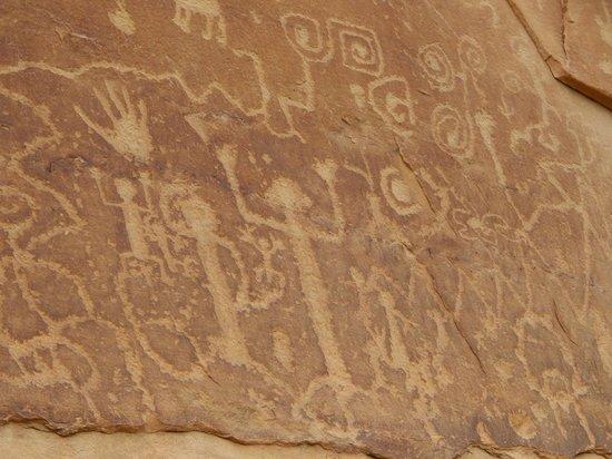 Petroglyph Point Hike: petroglyphs