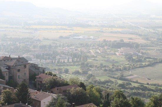 Torre del Moro: Panoramic Tuscany