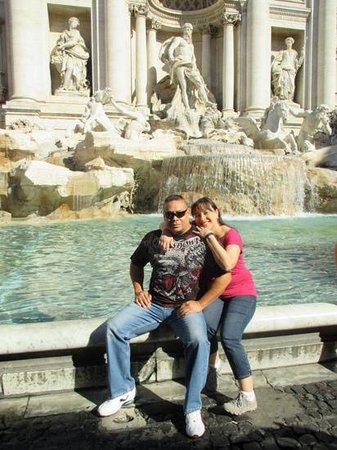 Italy Rome Tour: Our Private Tour Guide, Magdi, then took us to the Trevi Fountain ��