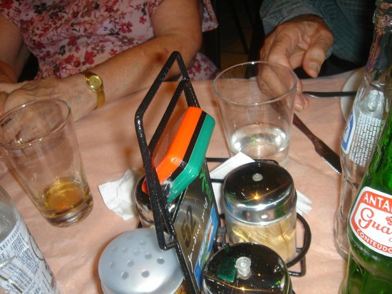 Churrascaria Jardins Grill: Flip to Green for food or Red to STOP