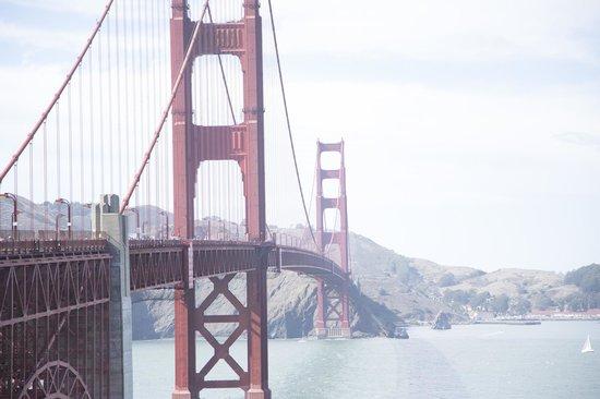 สะพานโกลเดนเกท: The Golden Gate Bridge ~view from gift shop