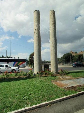 Italy Rome Tour: Magdi explained Rome's tribute to USA's 9/11...two columns, exact in size representing the Twin