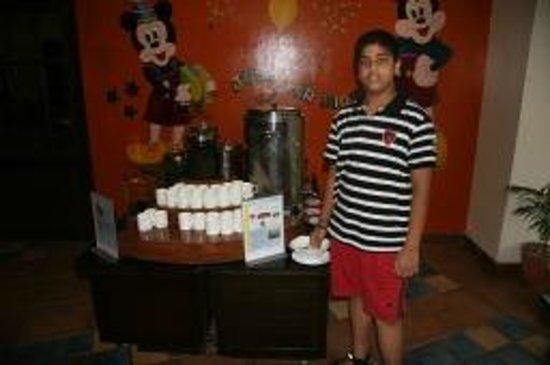 คลับมหินทรา โกดาคูแวลเลย์: Nachiket with variety of Coffee blends