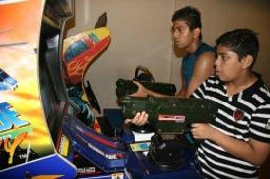 คลับมหินทรา โกดาคูแวลเลย์: Gaming zone