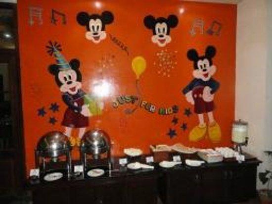 คลับมหินทรา โกดาคูแวลเลย์: Awesome kids daily variety in Buffet Restaurant for all meals