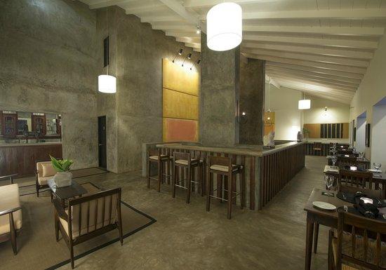 เล้ค ลอดจ์: Lounge/ Coffee Shop