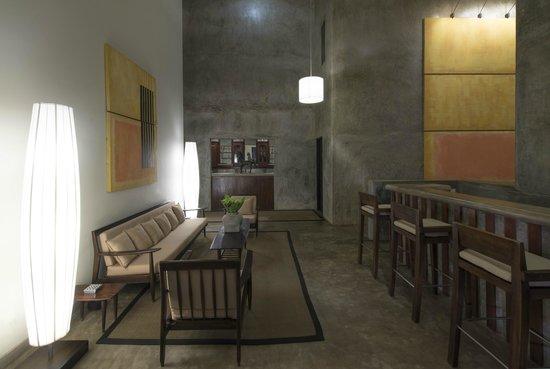 เล้ค ลอดจ์: Coffee Shop