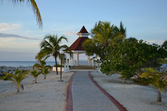 Grand Bahia Principe Jamaica: Wedding gazebo