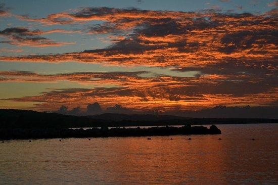 Grand Bahia Principe Jamaica: Beach sunset