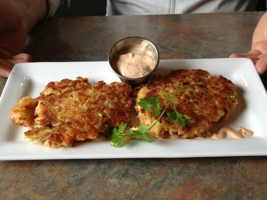 Big Wave Cafe: Crab cakes!!