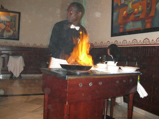 Grand Bahia Principe Jamaica: Making banana flambe