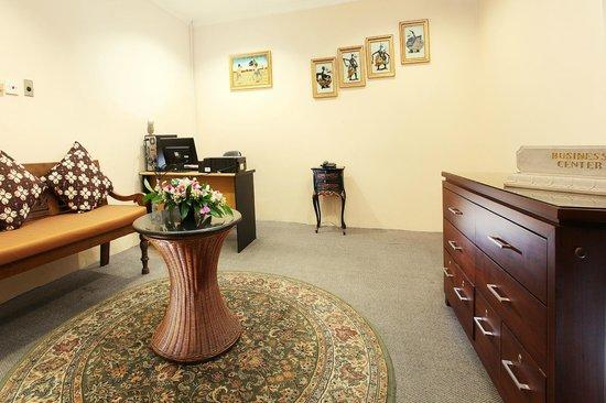 Hotel New Saphir Yogyakarta: Business Centre