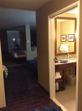 Comfort Suites Minot: king, queen room