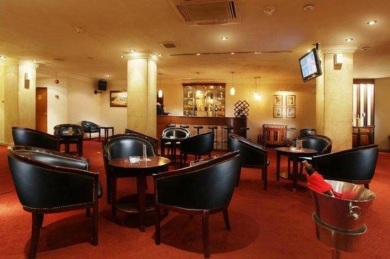 Hotel New Saphir Yogyakarta: Mirah Lounge