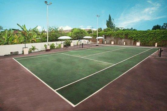 Hotel New Saphir Yogyakarta: Lapangan Tennis